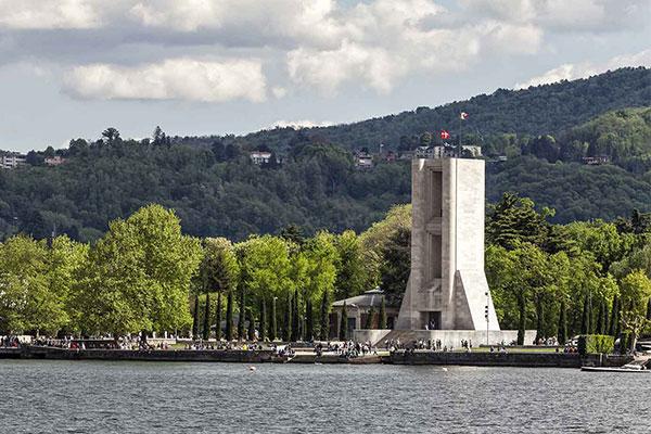 Tour Guidato Monumento ai Caduti